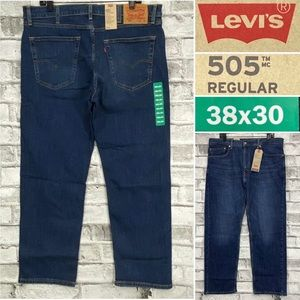 NWT Levis 505 Men 38 x 30 Regular Medium Wash Jean